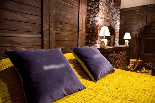Trong căn nhà, chỉ có riêng chiếc giường là không được làm từ sôcôla.