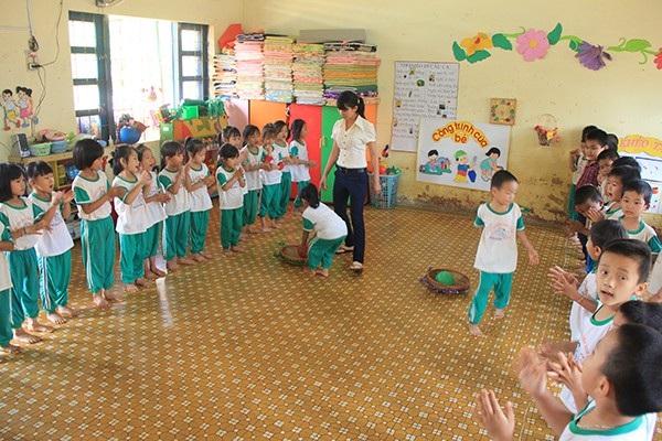 Việc hợp đồng xã hội hóa giáo viên sẽ diễn ra ở các lớp trẻ dưới 4 tuổi