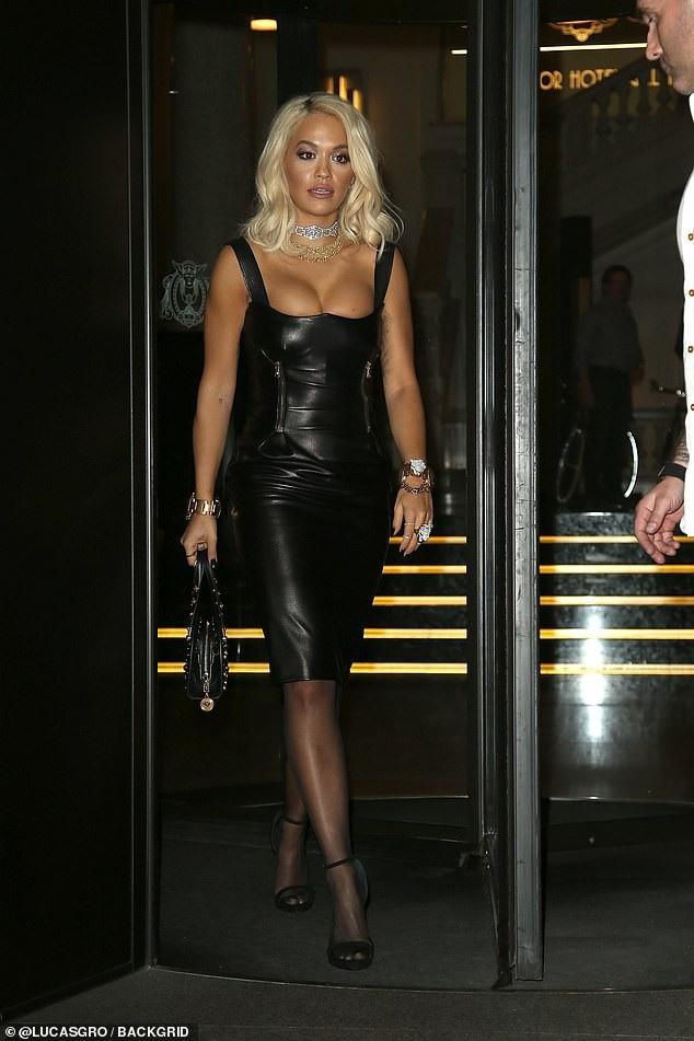 Rita Ora xuất hiện nổi bật tại Milan ngày 21/9 vừa qua