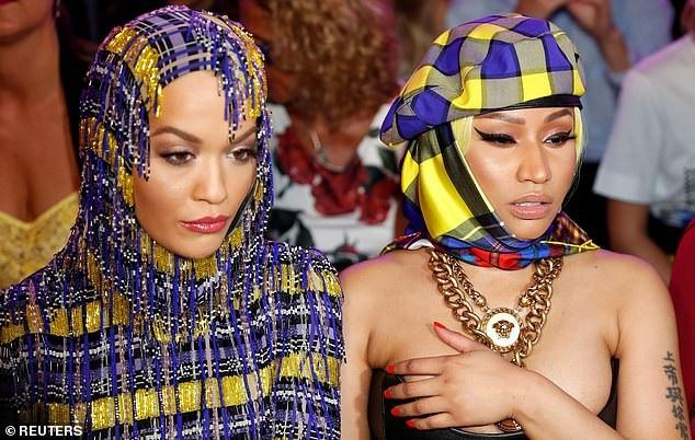 Rita ngồi hàng ghế VIP bên Nicki Minaj