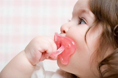 7 thói quen xấu khiến răng trẻ hô, mọc lệch - 1