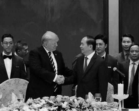 Chủ tịch nước Trần Đại Quang và đương kim Tổng thống Donald Trump (ảnh: Reuters)