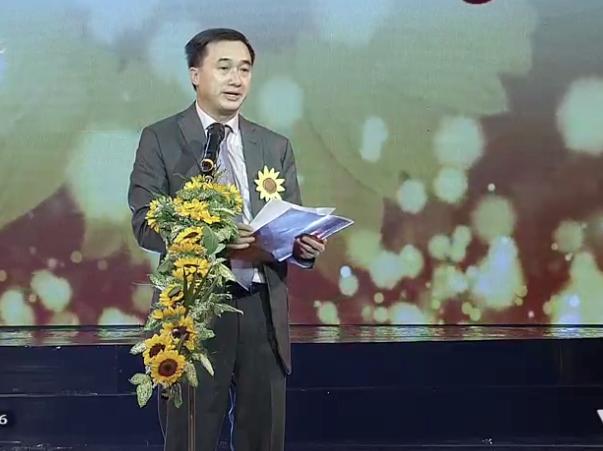 GS.TS Trần Văn Thuấn - Giám đốc Bệnh viện K, Phó Chủ tịch kiêm Giám đốc Quỹ Ngày mai tươi sáng phát biểu.