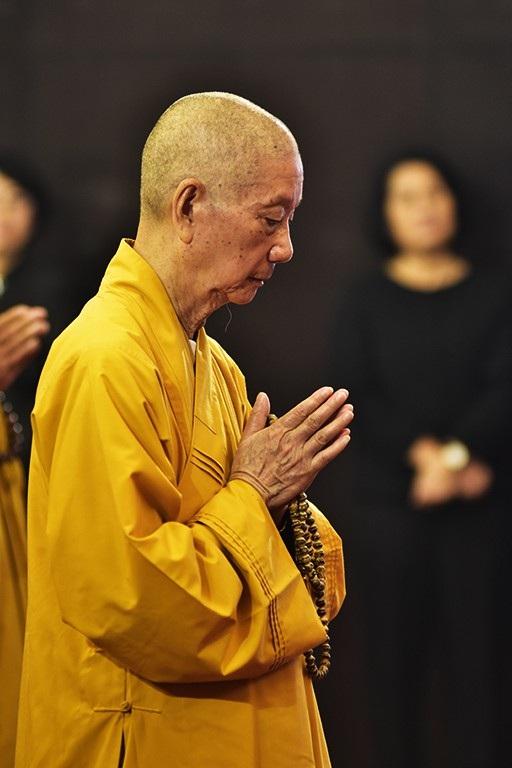 Hòa thượng Thích Trí Quảng, Trưởng ban Trị sự Giáo hội Phật giáo Việt Nam TPHCM vào viếng Chủ tịch nước