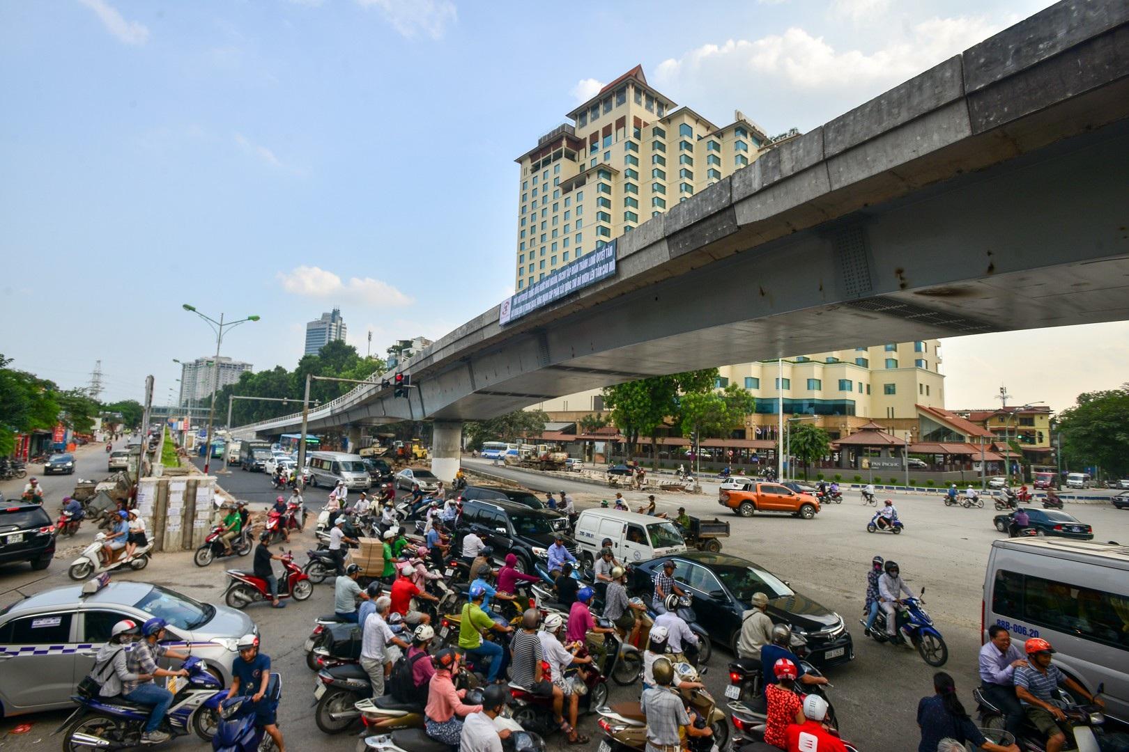Hà Nội: Toàn cảnh dự án cầu vượt An Dương sau hơn một năm thi công - Ảnh 10.