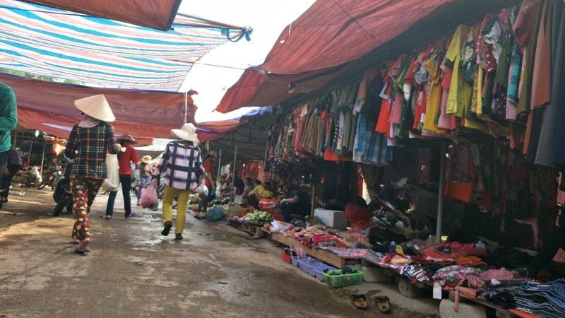 Hà Tĩnh: Hô biến đường dân sinh thành chợ để trục lợi - Ảnh 1.