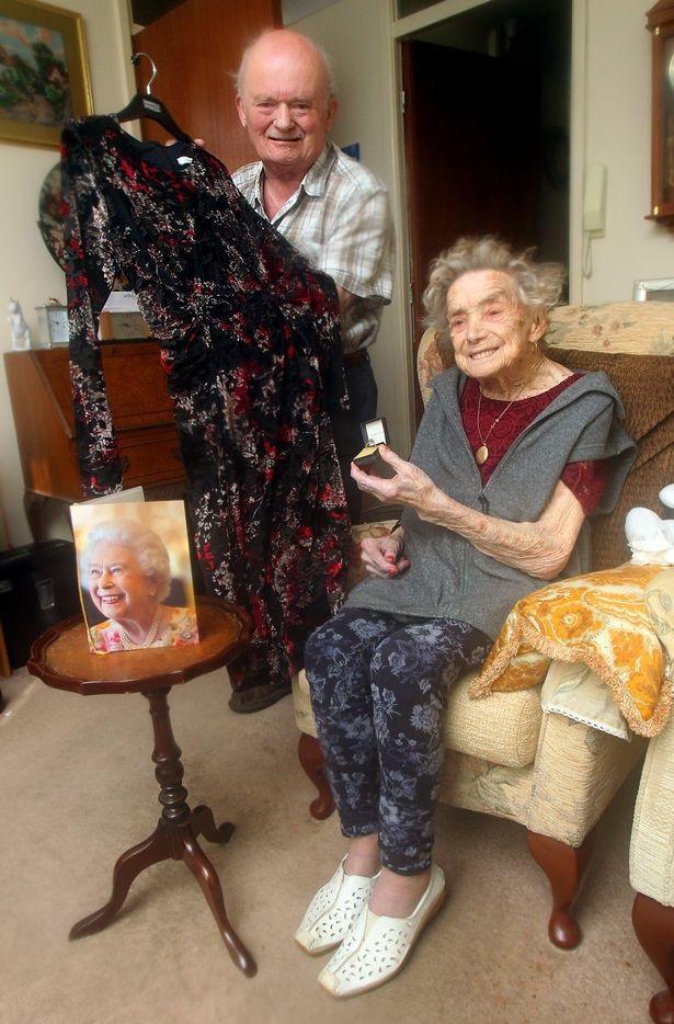 Cụ bà 100 tuổi kết hôn với chú rể kém mình 26 tuổi - 3