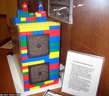 Chiếc máy chủ được lắp ghép bằng Lego của Google