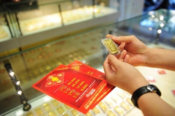 Mở cửa phiên giao dịch sáng nay 27/9, giá vàng SJC tại Hà Nội điều chỉnh tăng nhẹ theo xu hướng thế giới.