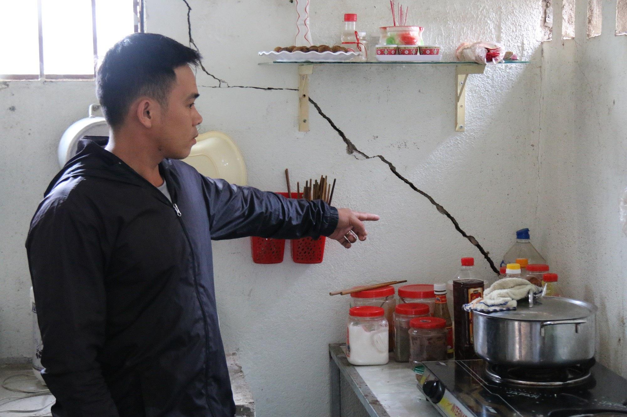 Thủy điện của vợ phó giám đốc Sở nổ mìn làm hỏng nhà dân: Chây ỳ đền bù? - Ảnh 2.