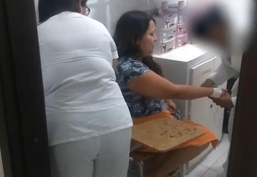 Milena Padilla được các bác sĩ kiểm tra sức khỏe sau khi dựng nên màn kịch mình bị bắt cóc