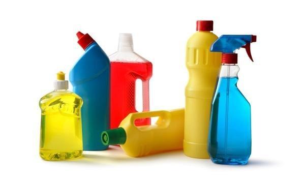 Mỹ phẩm và các hóa chất tẩy rửa trong nhà có thể chứa formaldehyde - một chất gây ung thư.