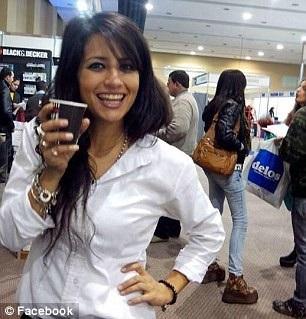 Eugenia Lopez – người đã đăng hồ sơ của Duarte lên mạng xã hội, và nhận được nhiều sự chú ý.