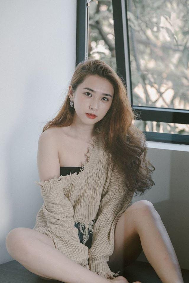 Hình ảnh của L.T.Thanh, bạn gái tin đồn của Bùi Tiến Dũng