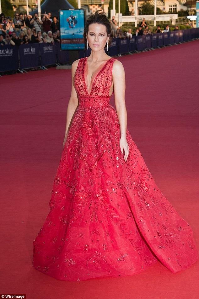 Kate Beckinsale rạng rỡ tại LHP Deauville tổ chức ở Pháp ngày 2/9 vừa qua