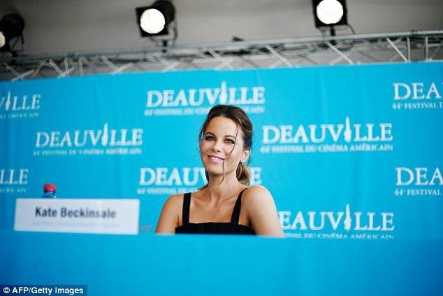 Kate Beckinsale trẻ đẹp ngỡ ngàng - 15