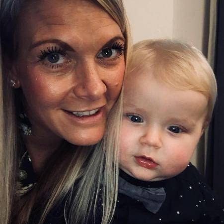 Người mẹ làm tiếp viên hàng không cũng không thể cứu được bé