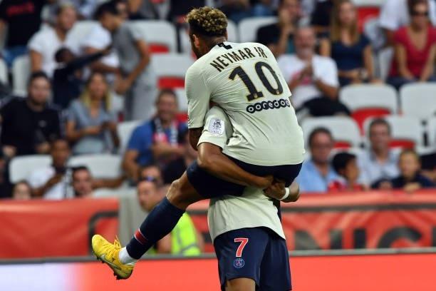 Neymar đóng góp cú đúp cho PSG