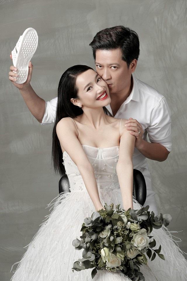 Trước đám cưới vài ngày, bộ ảnh cưới lãng mạn của Trường Giang - Nhã Phương bất ngờ được công bố.