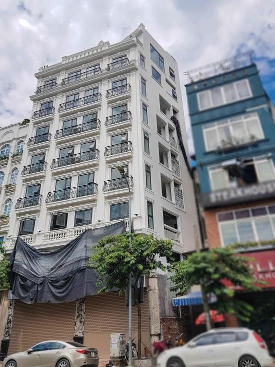 Ông Việt cho biết, đang chỉ đạo lực lượng chức năng làm rõ vi phạm của tòa nhà này
