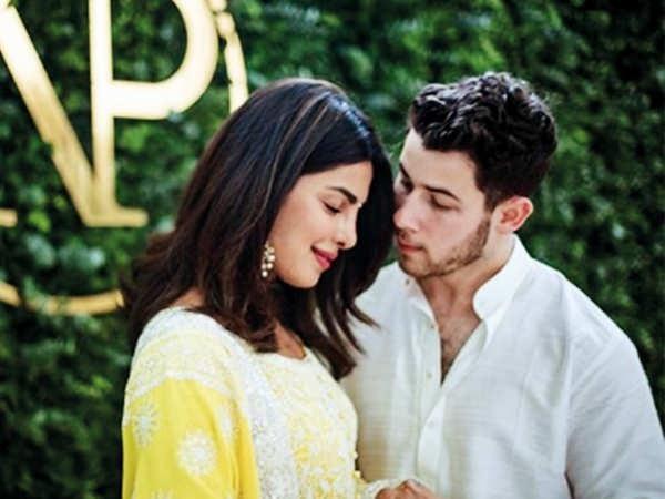Cặp đôi đã có tiệc mừng đính hôn theo phong cách Ấn Độ truyền thống và có thể sẽ tổ chức đám cưới cũng theo phong cách Ấn Độ.