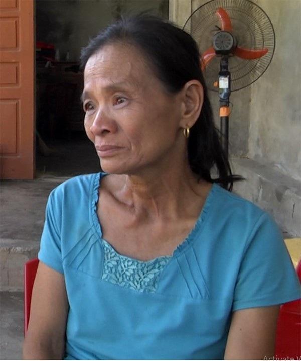 Nhắc đến tình cảnh của hai cháu trai, bà Cương nhiều lần bật khóc. Bản thân bà cũng đổ bệnh từ ngày con trai, con dâu qua đời.