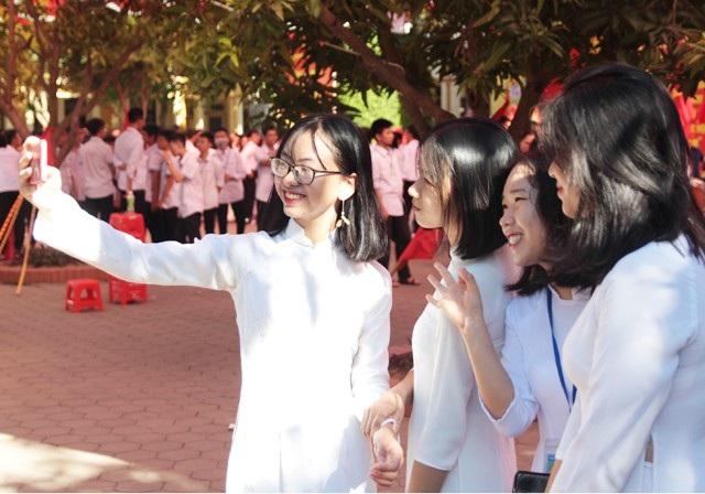 Cùng lưu lại những khoảnh khắc trong ngày khai giảng năm học mới