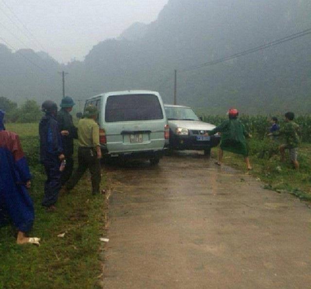 Trước đó tại Quảng Bình cũng đã xảy ra sự việc hàng chục côn đồ ngang nhiên tấn công kiểm lâm để cướp lại gỗ lậu