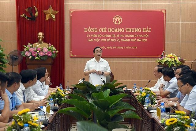 Bí thư Thành ủy Hà Nội Hoàng Trung Hải cho biết, sẽ giao quyền tự chủ cho TP quyết định mức tiền lương