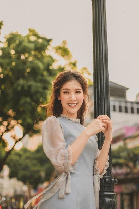 Phí Thùy Linh được khán giả biết đến tại cuộc thi Hoa hậu Việt Nam 2010 với thành tích top 10.