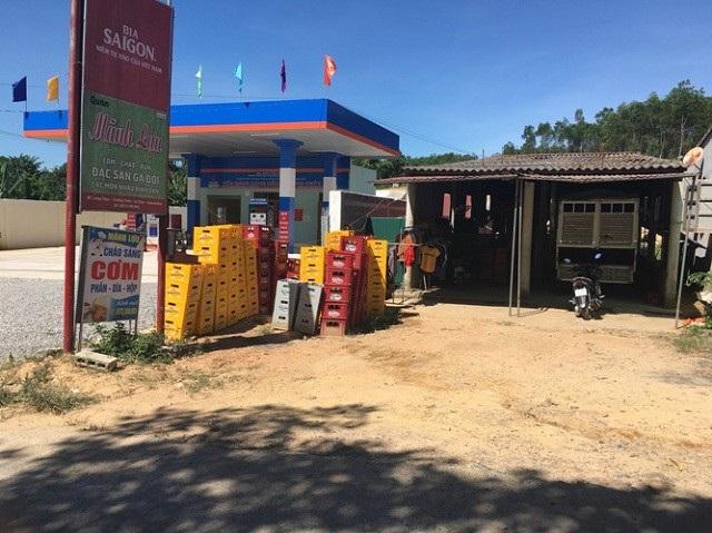 Quảng Bình: Người dân bất an vì cây xăng dầu quá gần nhà - Ảnh 1.