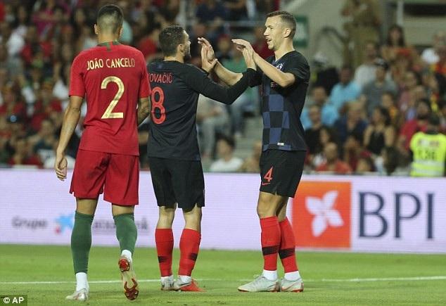 Perisic mở tỷ sô cho Croatia ở phút 18