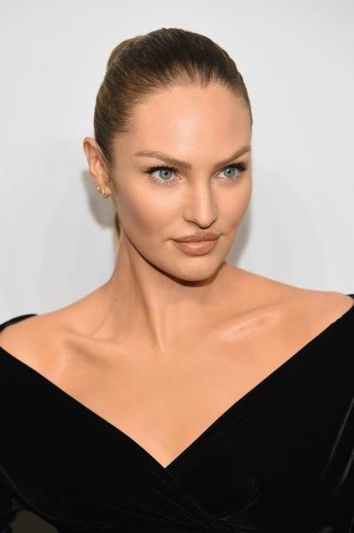 Cận cảnh gương mặt xinh đẹp của siêu mẫu Nam Phi