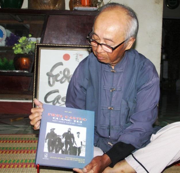 Tác giả Sĩ Sô (ở Vĩnh Linh, Quảng Trị) người đã vinh dự ghi lại khoảnh khắc lịch sử và có bộ ảnh quý giá trên