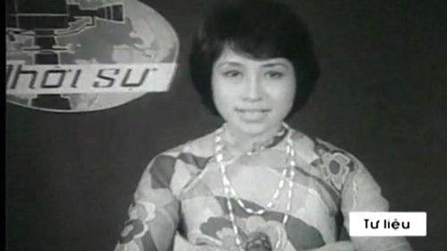 Hình ảnh nghệ sĩ Kim Tiến trong những ngày đầu dẫn bản tin Thời sự.