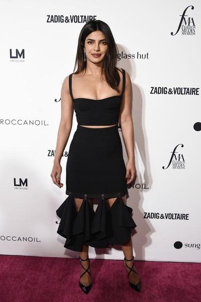 Priyanka Chopra xuất hiện nổi bật trên thảm đỏ lễ trao giải Daily Front Rows Fashion Media Awards diễn ra tại New York ngày 7/9 vừa qua