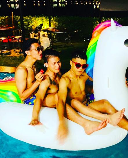 Hình ảnh các cầu thủ U23 nô đùa trong kỳ nghỉ dưỡng