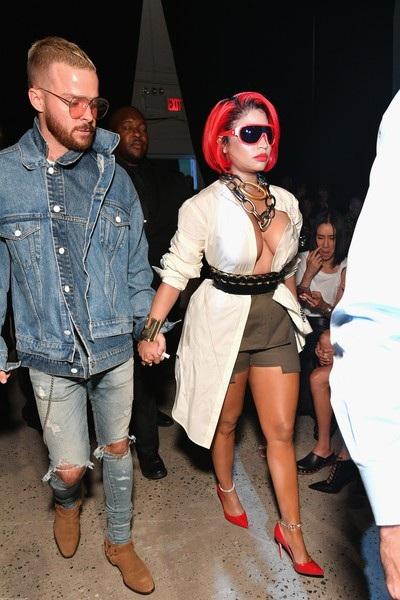 Nicki Minaj đi xem show diễn của Monse tại New York Fashion Week trước đó