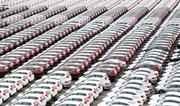 Năm 2018 giá ô tô không giảm mạnh như mong đợi của người tiêu dùng Việt Nam.