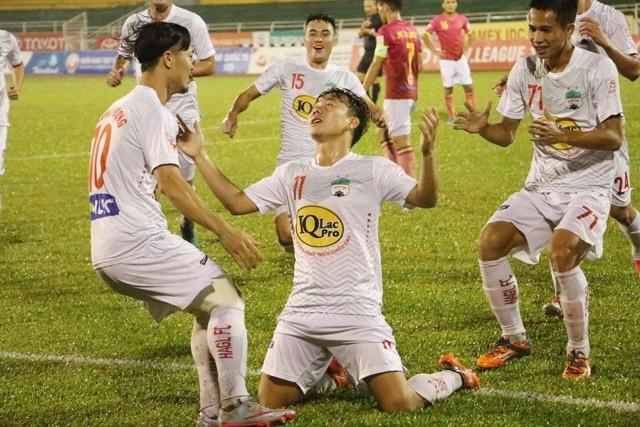 Thi đấu thành công tại Asiad 2018, những Minh Vương, Công Phượng sẽ tiếp tục thăng hoa tại V-League? (ảnh: Nguyễn Đình)