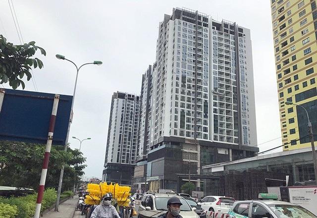 Tòa nhà bị đồn nghiêng sau động đất