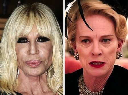 Gương mặt Donatella Versace quả thực đã biến chứng trầm trọng vì phẫu thuật thẩm mỹ, khác xa với nét mặt tự nhiên của ngôi sao cùng tuổi Judy Davis