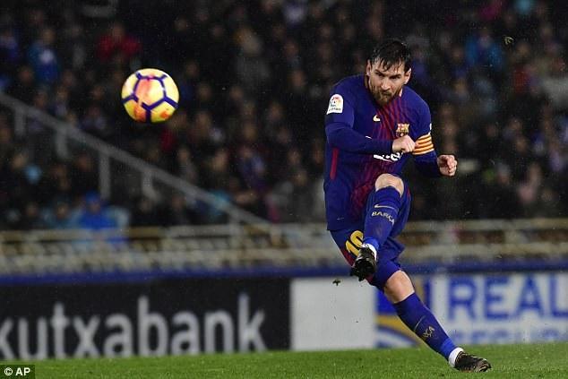 Messi ấn định chiến thắng 4-2 cho Barcelona với cú sút phạt đẹp mắt