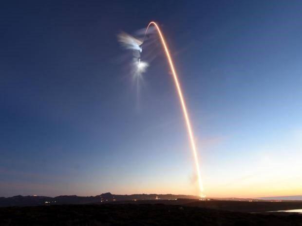 Vật thể bí ẩn và tuyệt mật đã được phóng lên quỹ đạo trái đất - 1