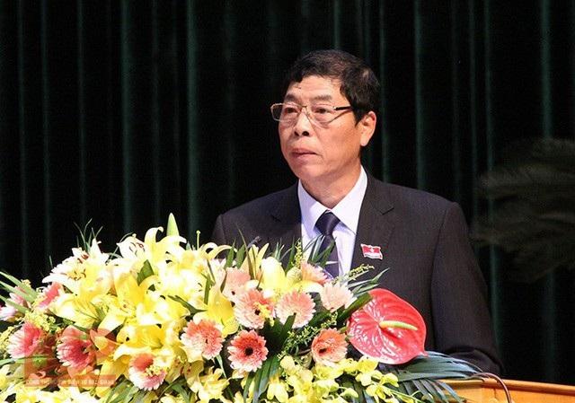 Bí thư Tỉnh ủy, Chủ tịch HĐND tỉnh Bắc Giang Bùi Văn Hải yêu cầu chính quyền và các sở ngành liên quan phải hứa trước dân dẹp tan nạn xe quá tải trong năm 2018. (Ảnh: Cổng thông tin Bắc Giang)