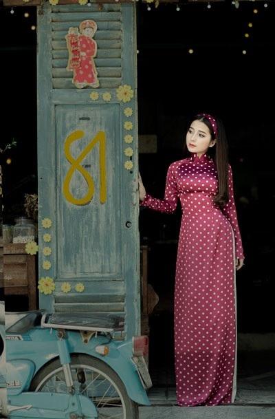 """Á quân Sao Mai Phan Ngọc Ánh diện áo dài """"Cô Ba Sài Gòn"""" đón Tết - 4"""