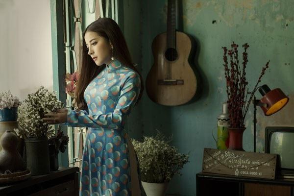 """Á quân Sao Mai Phan Ngọc Ánh diện áo dài """"Cô Ba Sài Gòn"""" đón Tết - 10"""