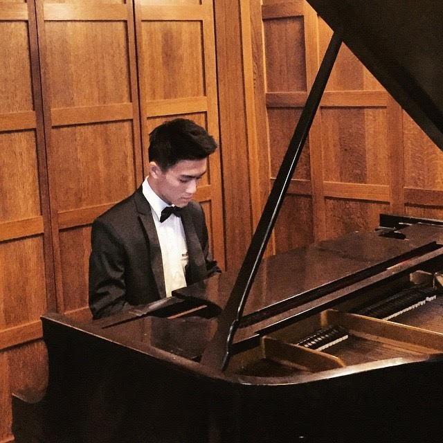 """Chàng """"soái ca hoàn hảo"""" với tài lẻ chơi piano làm """"đốn tim"""" phái nữ."""