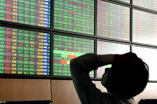 Sau thời gian tăng trưởng nóng, thị trường chứng khoán bất ngờ có phiên điều chỉnh sâu khiên vốn hoá HoSE mất hơn 3 tỷ USD.