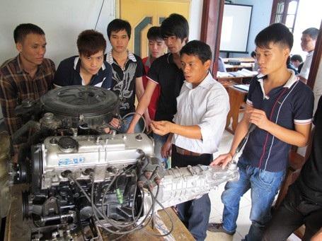 Giảm thất nghiệp: Bộ LĐ-TB&XH đề xuất 3 đột phá trong giáo dục nghề nghiệp - 2
